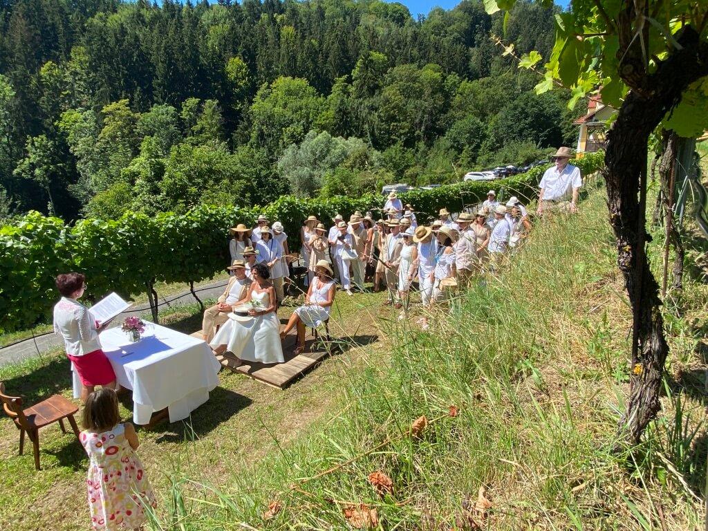 Hochzeit draußen Wein Weingarten Haselgraben Manfred Georg Friedl