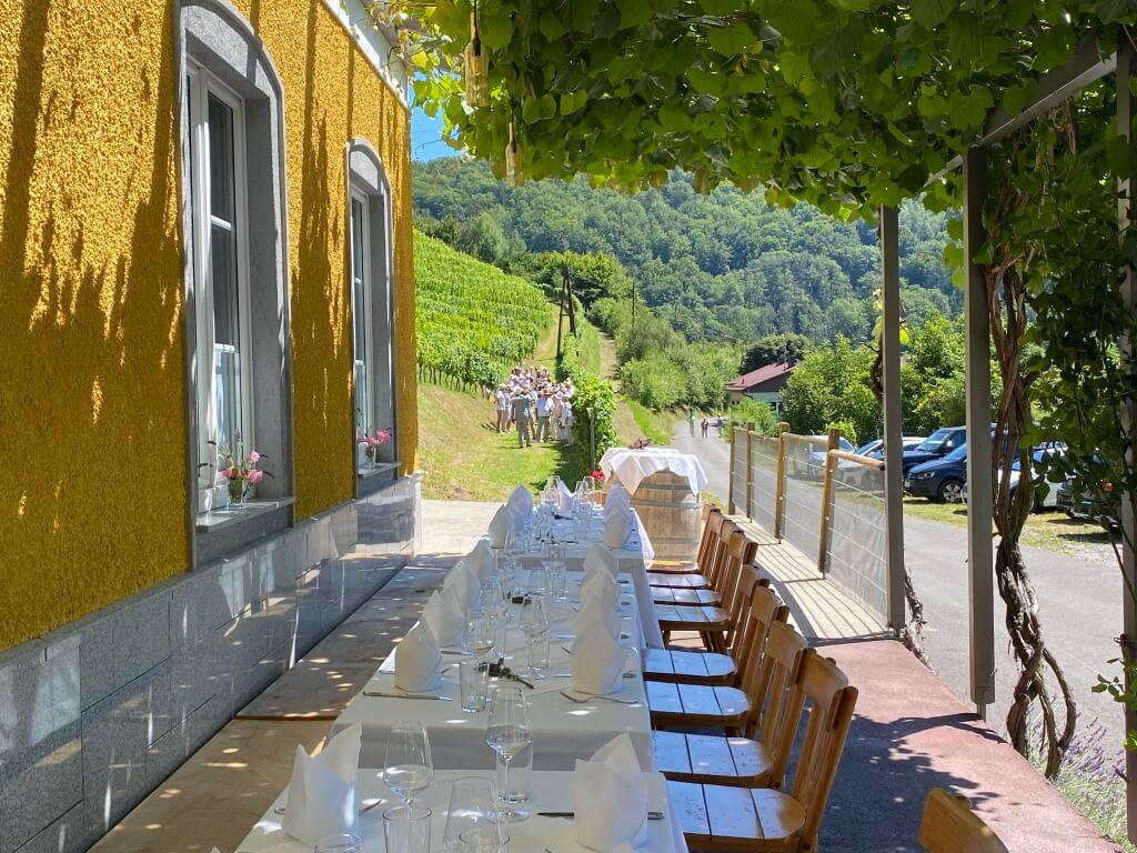 Hochzeit Tafel Wein Weingarten Haselgraben Manfred Georg Friedl